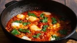 Как приготовить шакшуку сперепелиными яйцами— пошаговый рецепт сфото