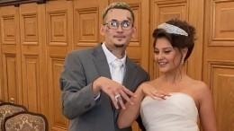 Моргенштерн вплатье зачитал свадебную клятву соскрижалей изпенопласта