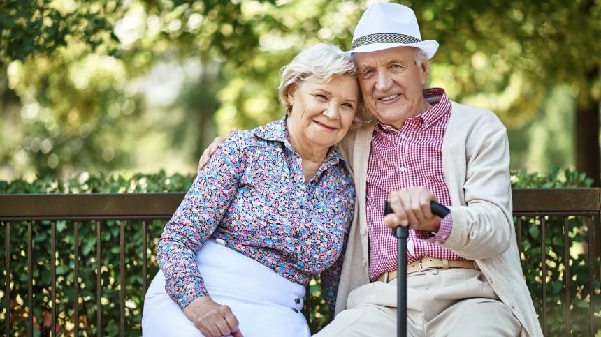 Правительство обеспечило решение съезда ЕР: пенсионеры начали получать выплаты