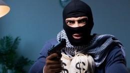 Житель Кудрово спистолетом неспешно ограбил банк вЛенобласти