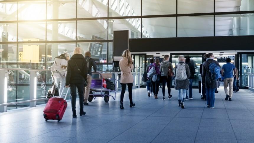 Иностранным туристам разрешили оформлять многократные визы вРоссию