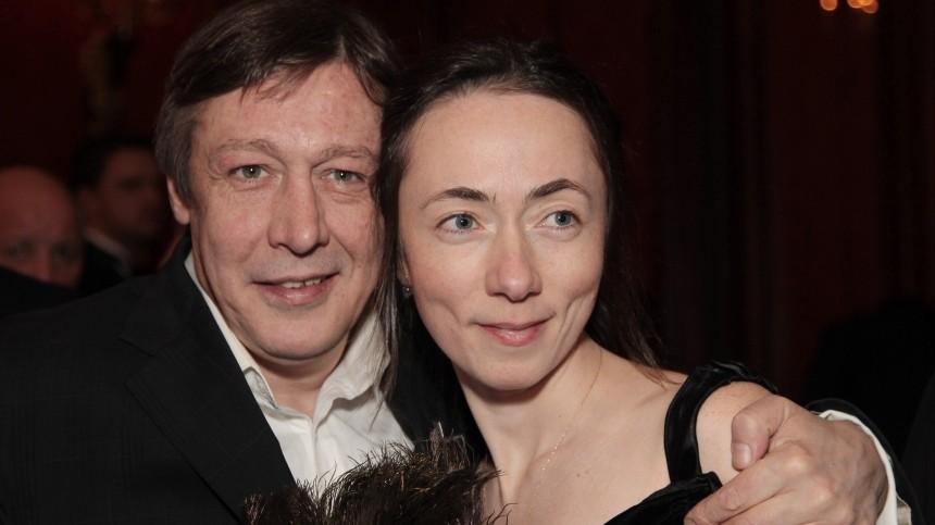 Жена осужденного Ефремова пожаловалась натяжелую жизнь