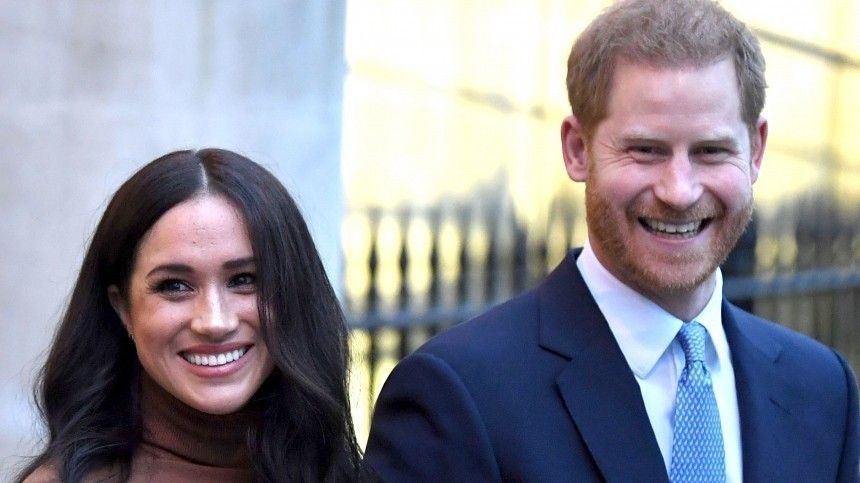 Принц Гарри иМеган Маркл захотели познакомить Елизавету II справнучкой