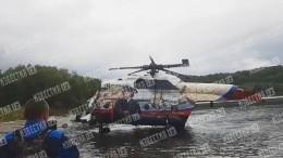 Подъем рухнувшего наКамчатке вертолета Ми-8 наберег сняли навидео