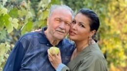 Уоперной певицы Анны Нетребко умер отец