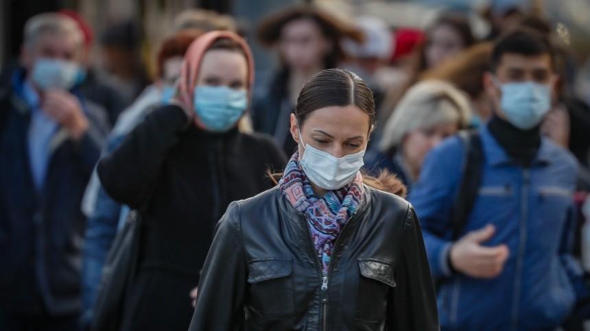 Доктор Комаровский: маски пропускают вирус, ноносить ихвсе равно нужно