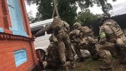 Самодельное взрывное устройство найдено вмашине ликвидированных вДагестане боевиков