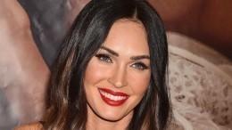 Меган Фокс появилась напремии MTV в«голом» платье