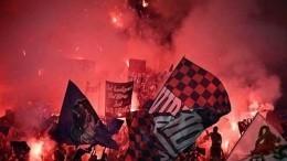 Фанаты едва несожгли стадион вовремя матча «Лион»— «Страсбур»