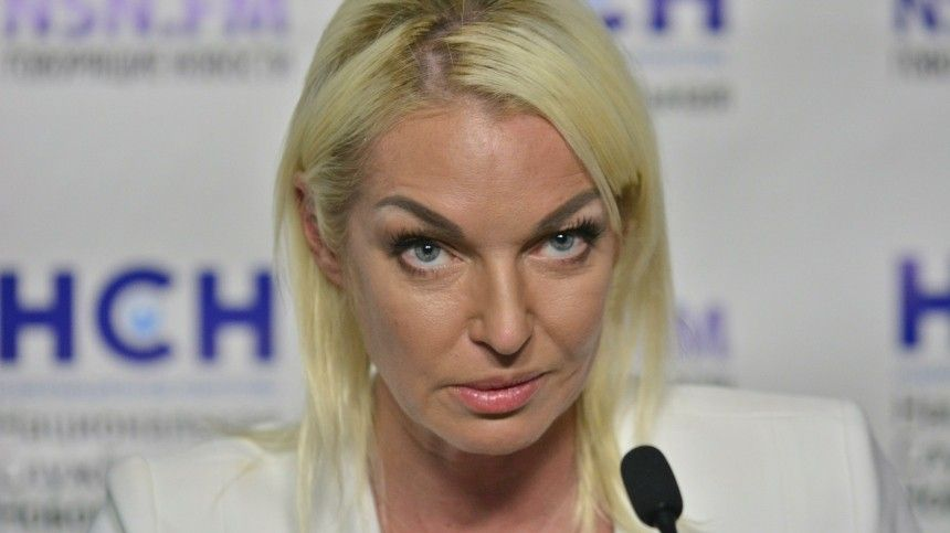 Лолита поддержала экс-солистку «Стрелок» вконфликте сВолочковой