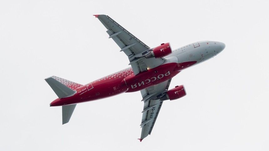 Пассажирский Airbus A319 c отказавшим двигателем совершил посадку вПетербурге