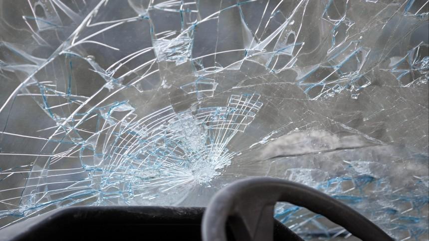 Три человека погибли и10 пострадали ваварии свахтовым автобусом под Калугой