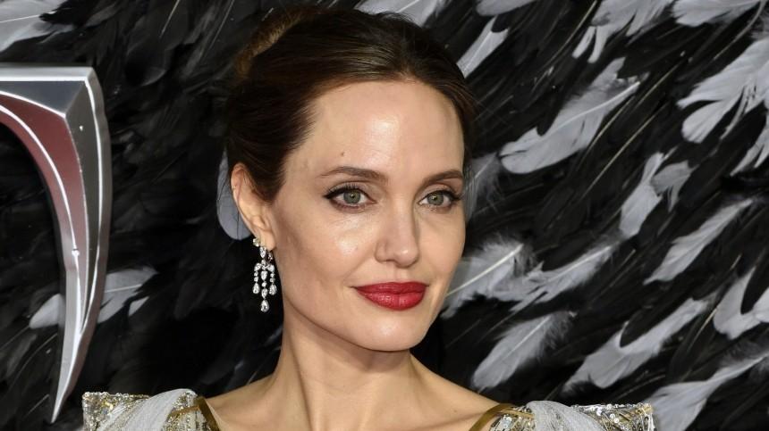 Джен Псаки обсудила сАнджелиной Джоли закон онасилии против женщин