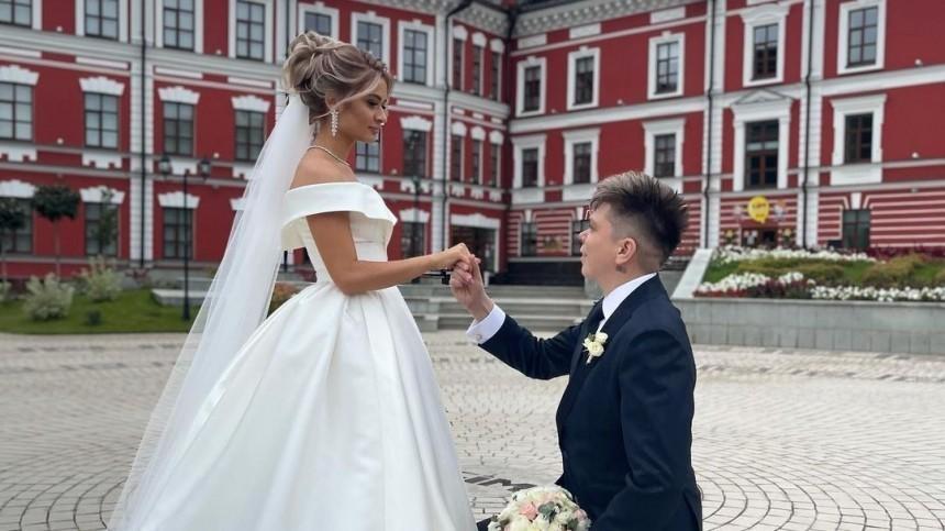 Джип за15 миллионов и150 гостей: «башкирский Бибер» Элвин Грей отгулял свадьбу
