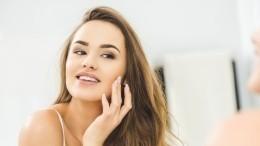 Косметолог рассказала, отчего появляются морщины икак затормозить старение