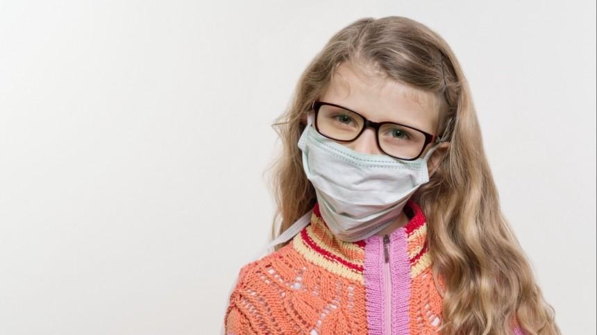 Иммунолог рассказал, почему дети стали тяжелее переносить коронавирус