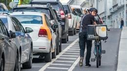 Россияне отмечают Всемирный день без автомобиля. Чем лучше ихуже быть велосипедистом?