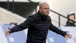 Тренер клуба «Ротор» Хохлов подал всуд наFacebook: Нет сил отвечать за«хохлов»