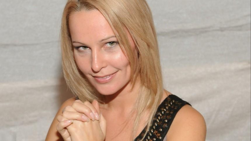 Звезда «Бригады» Панова увела мужа убеременной подруги спомощью гипноза