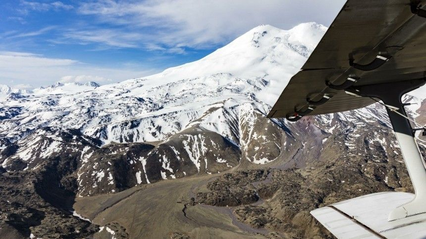 Спасатели нашли всех просивших опомощи наЭльбрусе альпинистов, выжили16
