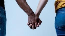 Милонов окритике рекламы кваса сафриканцем состороны «Мужского государства»: «Мамкины мракобесы»