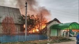 Взрыв газа уничтожил кирпичный дом вБашкортостане, последствия попали навидео