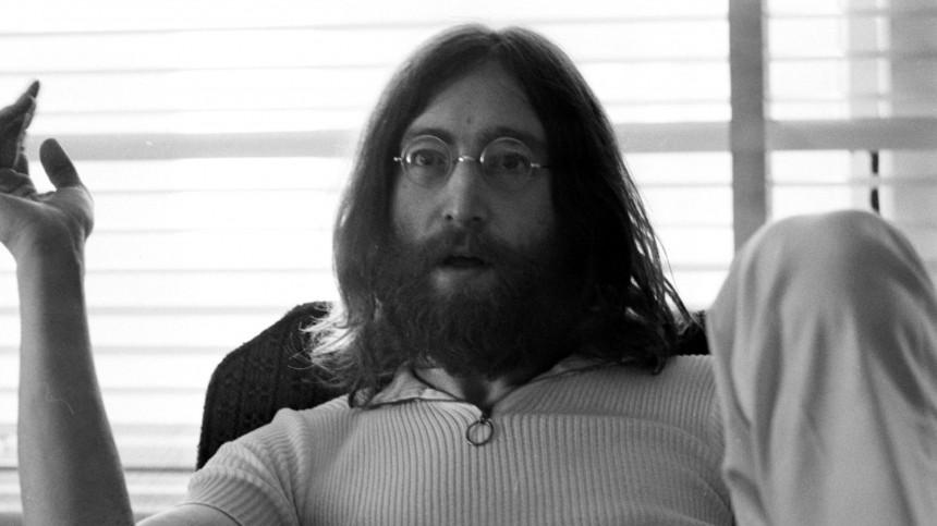 Уникальную запись неизвестной песни Джонна Леннона выставили нааукционе