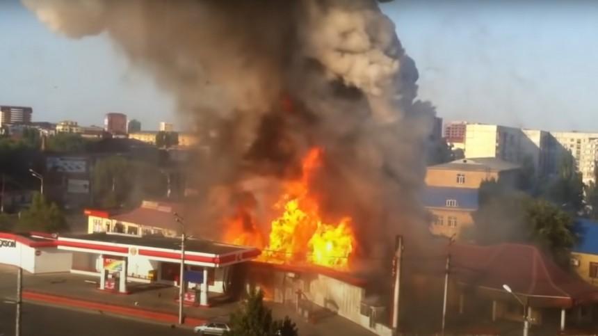 Три человека пострадали при взрыве АЗС вМахачкале