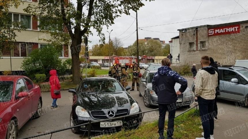 Жителей двух подъездов эвакуировали после обнаружения растяжки вдоме вЛенобласти