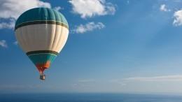 Опубликовано видео падения воздушного шара вЧерное море возле Сочи