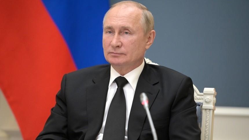 Дмитрий Песков рассказал отечении COVID-19 уадъютанта Путина: Онбыл привитый