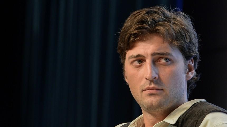 Актер из«Движения вверх» сломал челюсть втрех местах на«Ледниковом периоде»