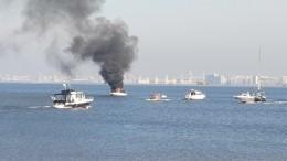 Два человека чуть несгорели вдеревянной лодке наФинском заливе вПетербурге