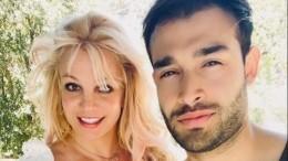 Бритни Спирс планирует свадьбу наГавайях после освобождения отопеки отца