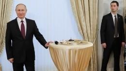 Песков заявил, что «проставляться» перед коллегами Путин вдень рождения небудет