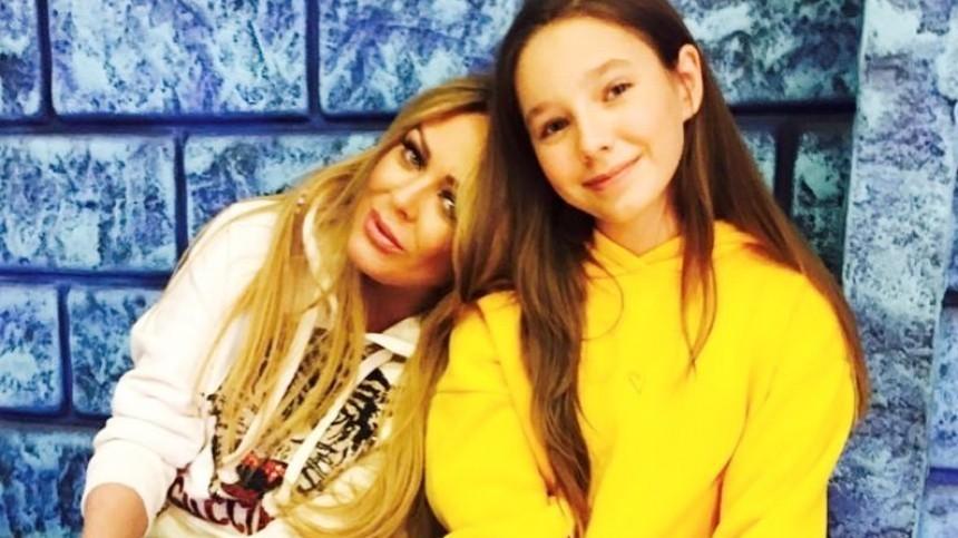 Расцвела: 14-летняя дочь Юлии Началовой поделилась фото соткровенным декольте