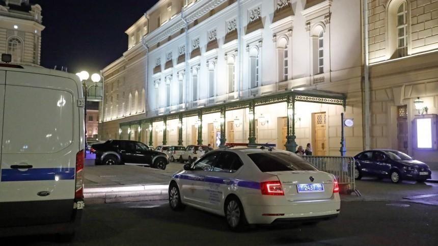 Опубликованы фото сместа гибели актера Большого театра, которого придавила декорция