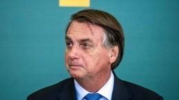 Президента Бразилии непустили нафутбол без прививки отCOVID-19