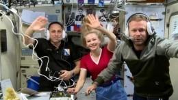 Российский «киноэкипаж» возвращается наЗемлю сМКС— прямая трансляция