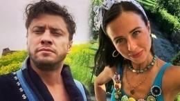 Правдали Павел Прилучный расстался сМирославой Карпович?