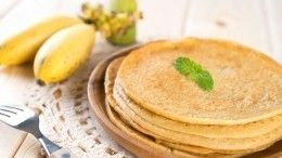 Блинчики изманки сбананом: вкусный рецепт завтрака отВасилия Емельяненко