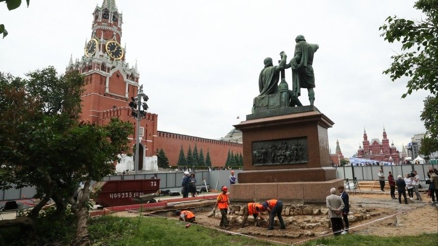 Эксперты рассказали обуникальности итайнах памятника Минину иПожарскому